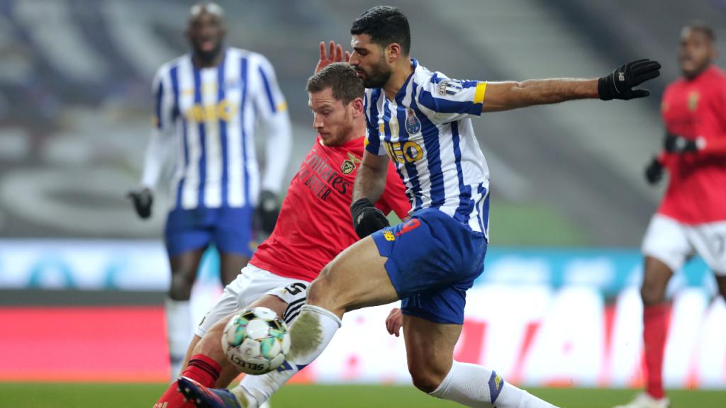 Mehdi Taremi e Jan Vertonghen no FC Porto-Benfica (Estela Silva/LUSA)