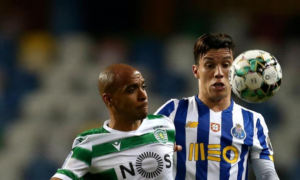 Taça da Liga: Sporting-FC Porto, João Mário e Uribe (Paulo Cunha/LUSA)