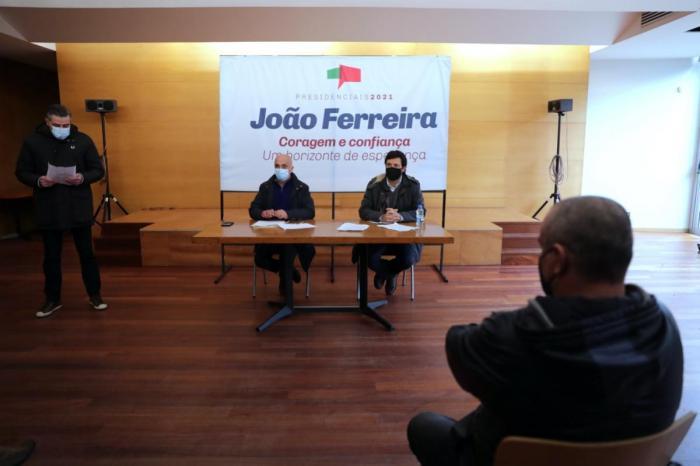 João Ferreira em campanha em Matosinhos