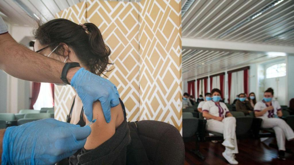 Vacinação contra a covid-19 nos Açores