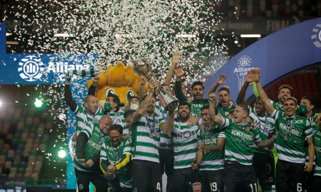 Sporting festeja conquista da Taça da Liga (LUSA)