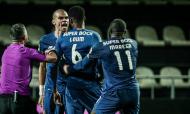 Pepe e Loum desentenderam-se no final do Farense-FC Porto (LUSA)