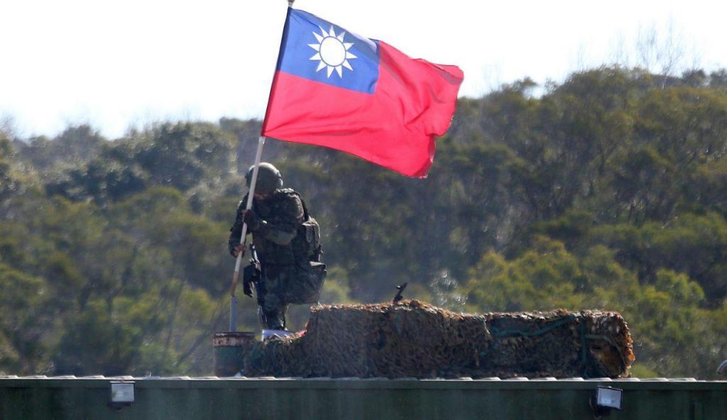 "Pequim adverte que ""independência de Taiwan significa guerra"""