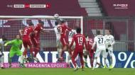 Boateng salta mais alto do que todos e adianta Bayern frente ao Hoffenheim