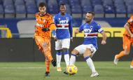 Rodrigo Bentancur e Fabio Quagliarella no Sampdoria-Juventus (Tano Pecoraro/AP)