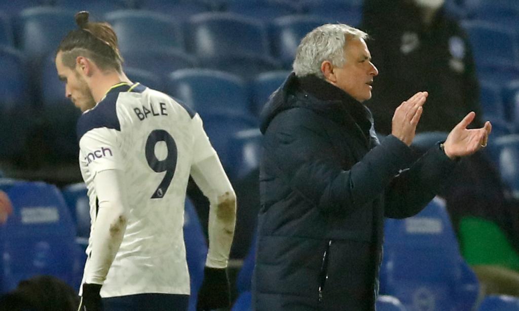 José Mourinho e Gareth Bale no Brighton-Tottenham (Andrew Boyers/AP)