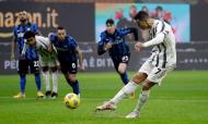 Cristiano Ronaldo, de penálti, faz o 1-1 no Inter-Juventus, da primeira mão da meia-final da Taça de Itália (Luca Bruno/AP)