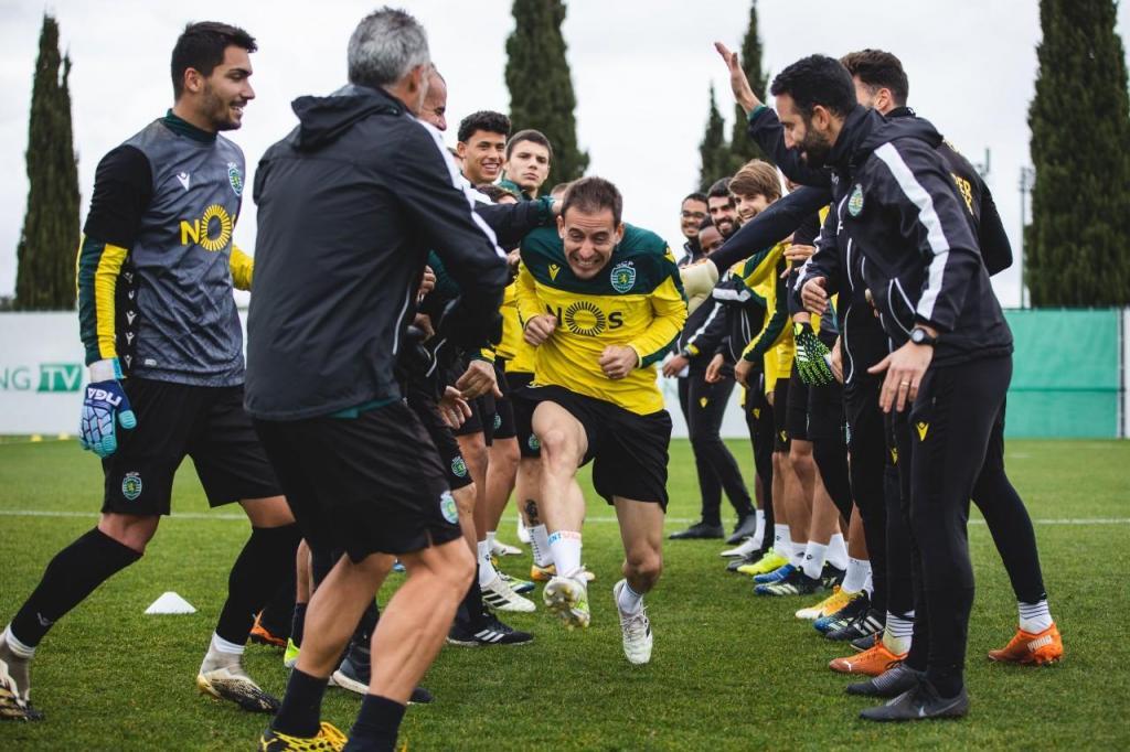 Paulinho, Matheus Reis e João Pereira no primeiro treino no Sporting