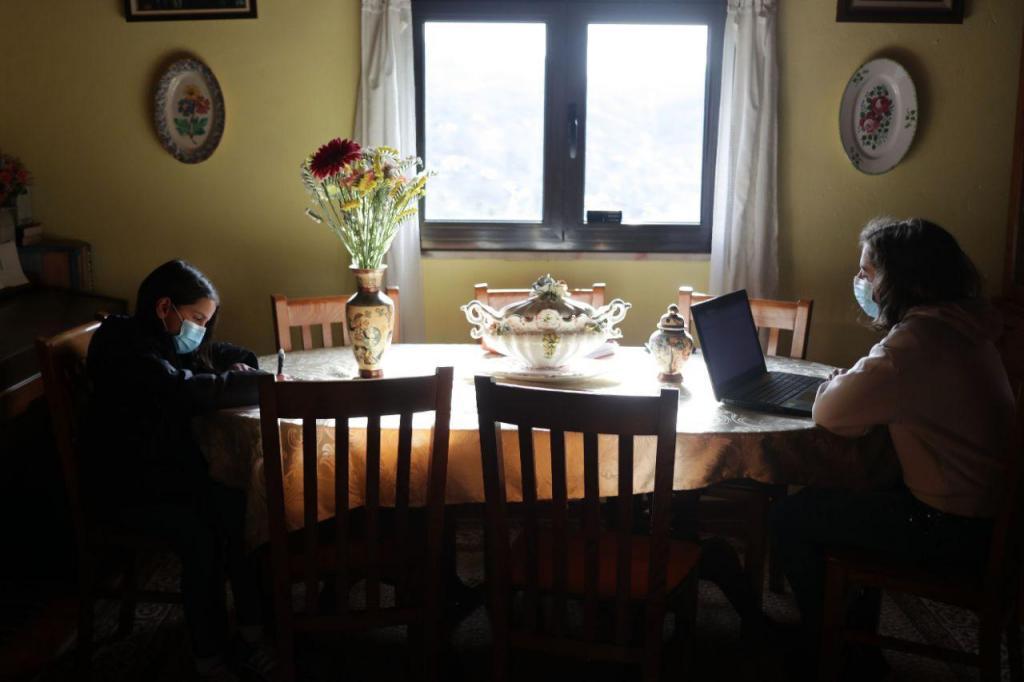 Falta de Internet é barreira para ensino online