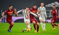 Chiesa contra Mkhitaryan e Kumbulla no Juventus-Roma (Fabio Rossi/AP)