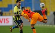 Fenerbahçe-Galatasaray (AP Photo/Kenan Asyali, Pool)