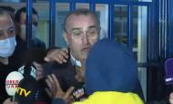 Adepto do Fenerbahçe ataca vice do Galatasaray em direto