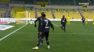 Jonathan David aproveita ressalto na área e dá vantagem ao Lille
