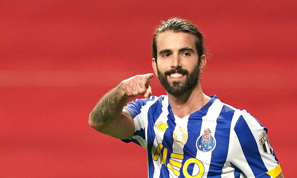 13. Sérgio Oliveira, FC Porto: 16 milhões de euros (+5M)