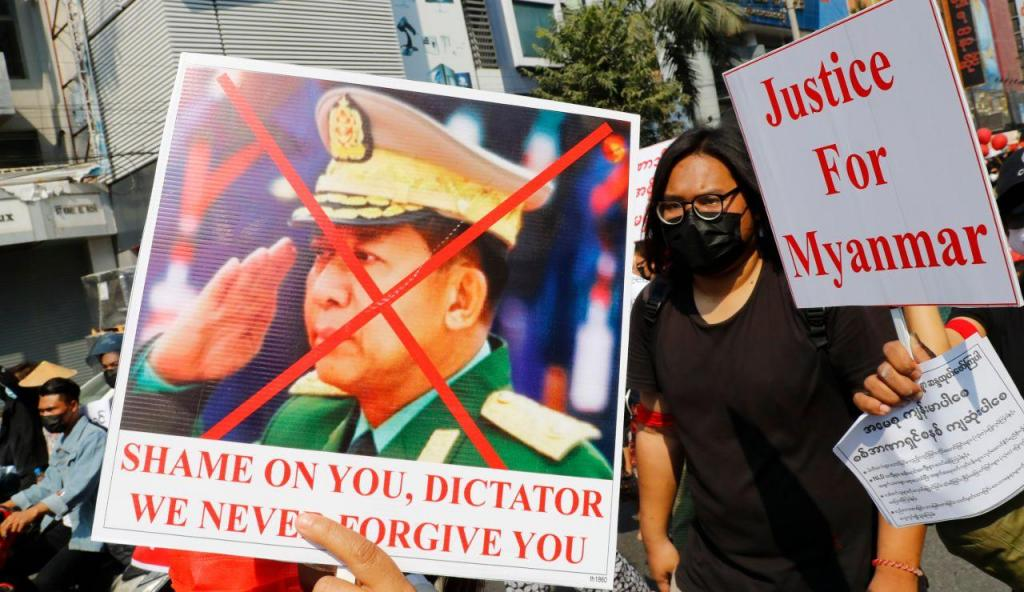 Myanmar: milhares manifestam-se contra golpe que afastou Suu Kyi do poder