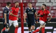 Otamendi fez o 2-0 no Benfica-Famalicão (Manuel Almeida/LUSA)