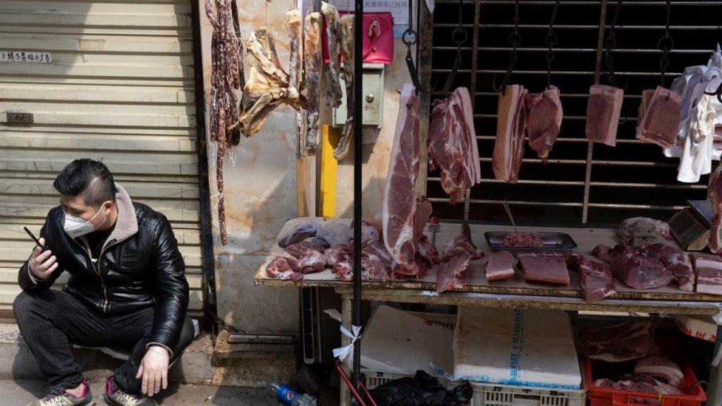 Covid-19: onde tudo terá começado, no mercado de Wuhan