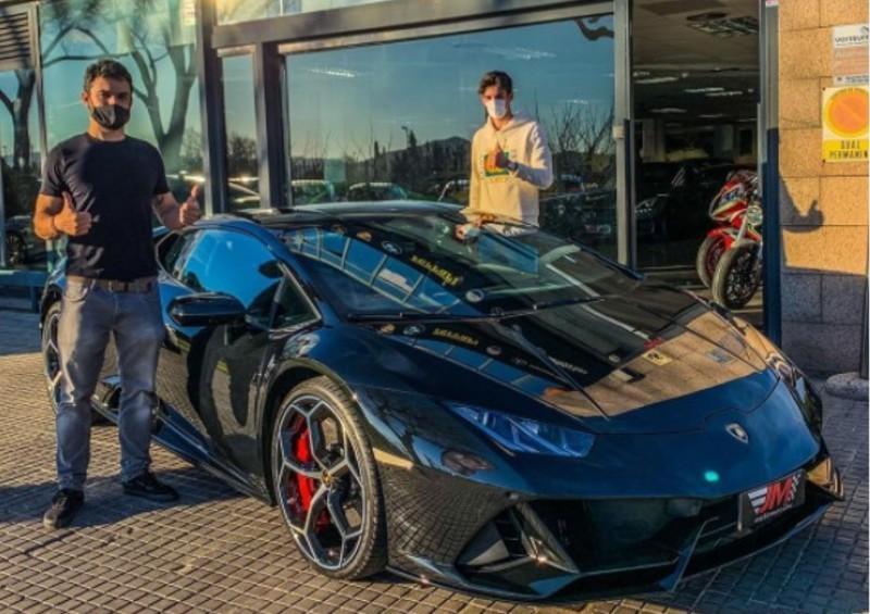 Trincão vai buscar o Lamborghini Huracán EVO (reprodução Instagram JM Automoción)