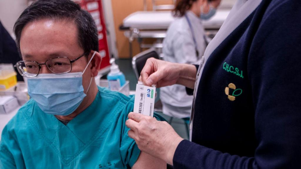 Macau: começou vacinação contra a covid-19