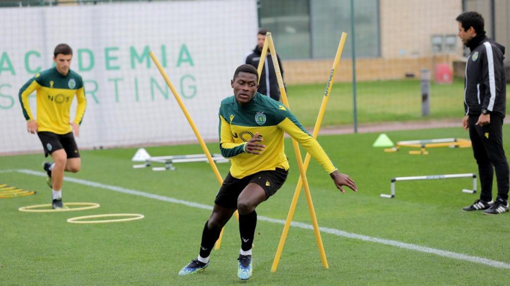 Sporting já prepara receção ao Paços (fotos: SCP)