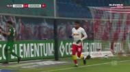 Remate de Nkunku saiu em «slow motion» mas entrou na baliza do Augsburgo