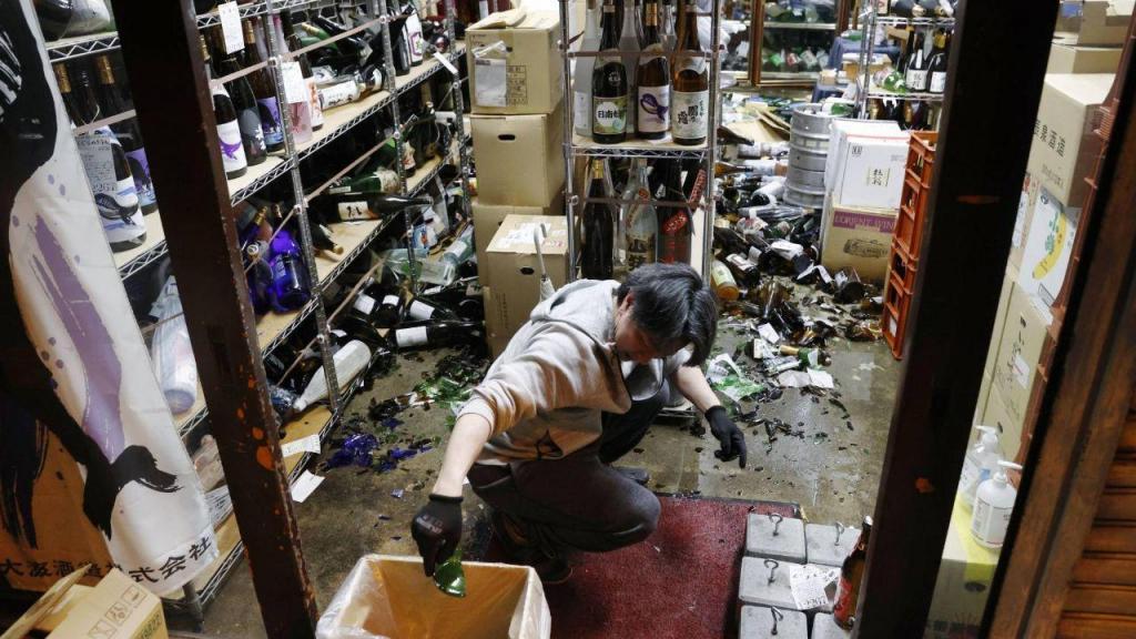 Consequências do sismo numa redação japonesa