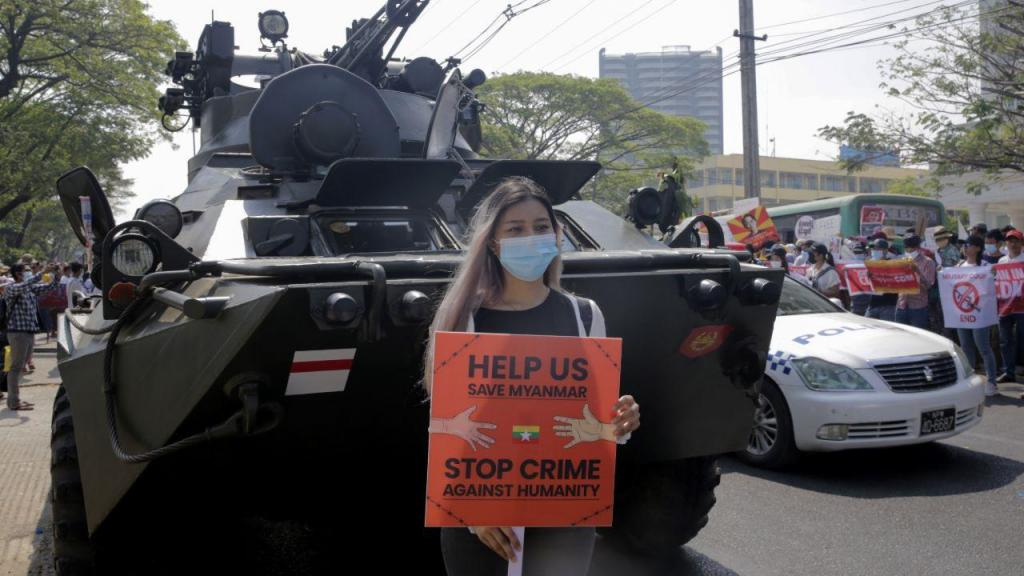 Protestos contra o golpe militar em Myanmar