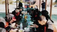 Olhanense almoça em estação de serviço, com a ajuda do Amora (foto: SCO)