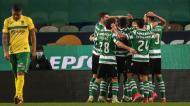 Jogadores do Sporting festejam o 2-0 ante o Paços de Ferreira, apontado por Palhinha (Mário Cruz/LUSA)