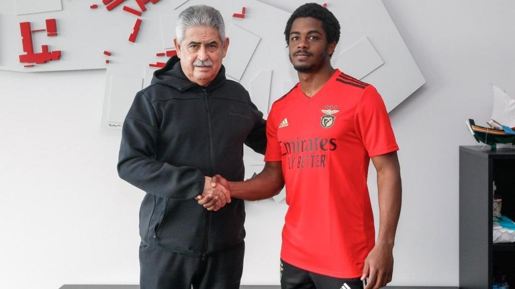 Luís Lopes renovou com o Benfica