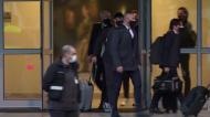 A chegada da Juventus a Portugal com o polegar levantado de Cristiano Ronaldo