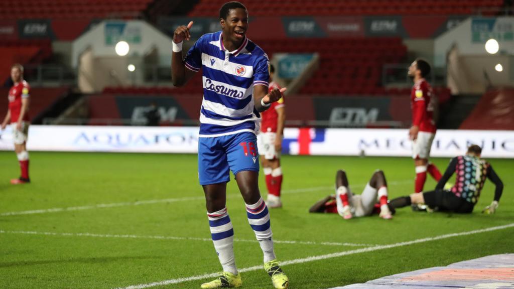 Lucas João chegou aos 20 golos na época em Bristol (Reading)