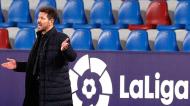 Diego Simeone no Levante-Atlético de Madrid (Kai Foersterling/EPA)