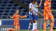 Cristiano Ronaldo protesta falta em lance com Uribe no FC Porto-Juventus (Luís Vieira/AP)
