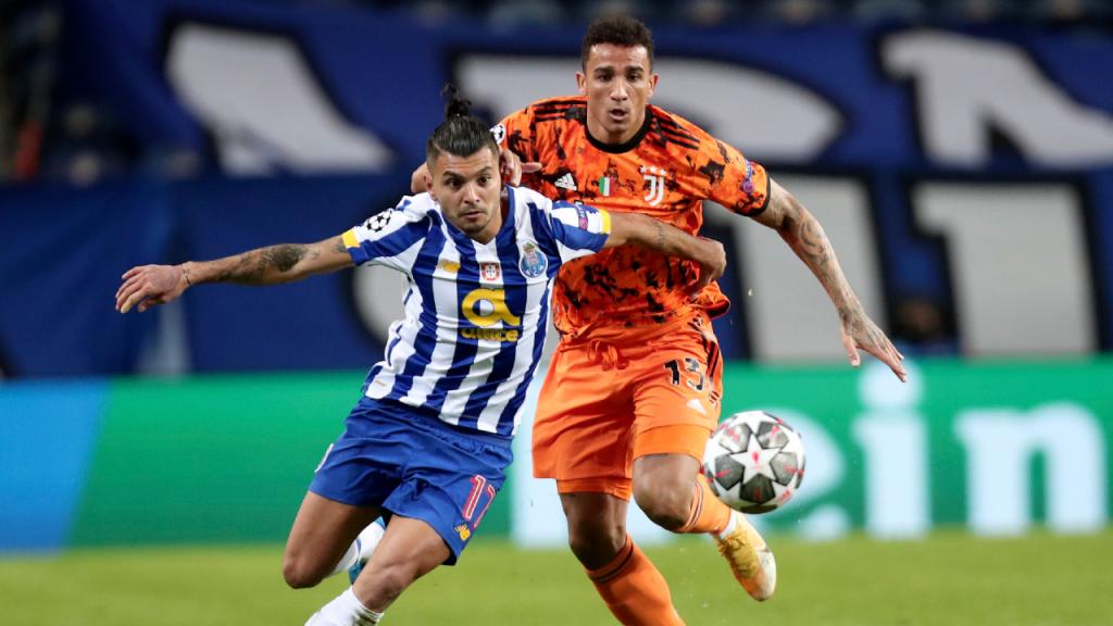 Corona e Danilo no FC Porto-Juventus (Luís Vieira/AP)