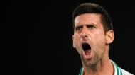 Novak Djokovic qualificou-se para a final do Open da Austrália ao eliminar Karatsev (Andy Brownbill/AP)