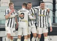 As imagens do Juventus-Crotone (EPA/ALESSANDRO DI MARCO)