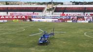 Helicóptero com vacinas em jogo no Brasil (Renan Pinheiro/TV Bahia)