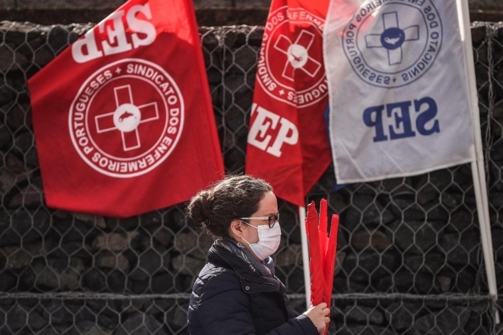 Enfermeiros do Hospital Beatriz Ângelo em protesto
