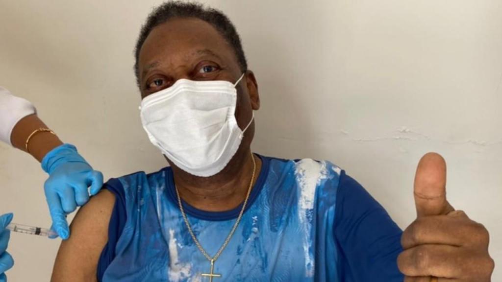 Pelé já foi vacinado contra a covid-19