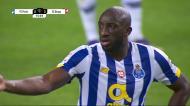 Matheus falha saída, deixa bola nos pés de Marega e o FC Porto reduz