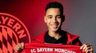 Musiala assinou o primeiro contrato profissional com o Bayern