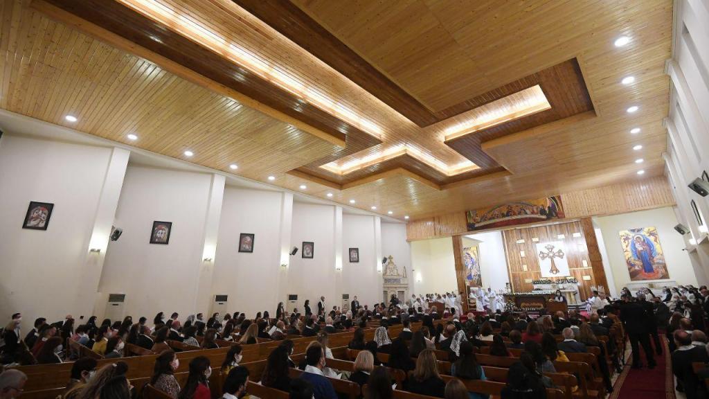 Papa Francisco celebra a sua primeira missa no Iraque