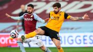 Morgan Sanson e Rúben Neves no Aston Villa-Wolverhampton (Peter Cziborra/EPA)