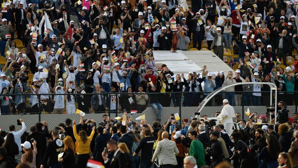 Papa celebra no estádio de Erbil a maior missa pública durante visita ao Iraque