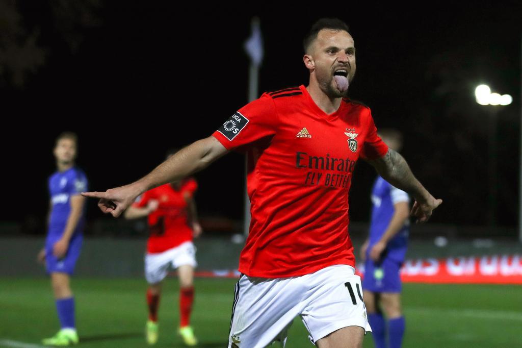 27. Seferovic, Benfica: 12 milhões de euros (+2M)