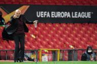 As imagens do Manchester United-Milan (fotos EPA/Peter Powell)