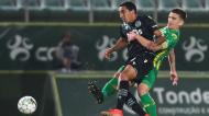 Tiago Tomás e Ricardo Alves em lance no Tondela-Sporting (Paulo Novais/LUSA)