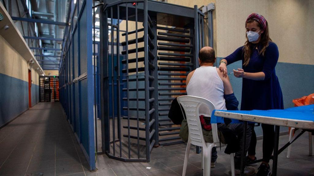 Centro de vacinação no checkpoint de Meitar, entre Israel e a Faixa de Gaza