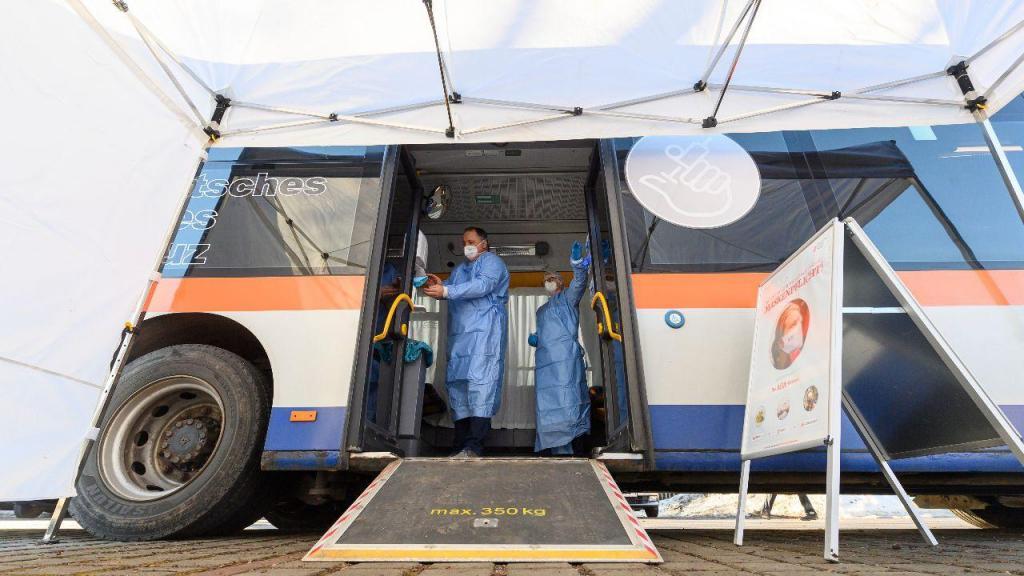 Centro móvel de vacinação na Alemanha